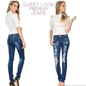 Denim - NWT Distressed Sweet Look Premium Denim Jeans